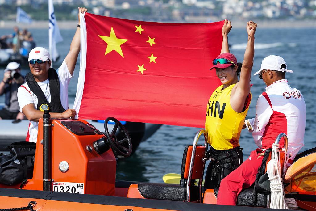 bd71d3f525ef4c80a9ef9ab312ee143b - چین موفق به کسب مدال طلای ویندسرفینگ RS:X زنان توکیو 2020 شد